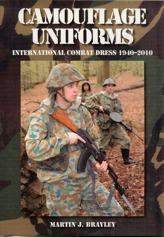 Image for CAMOUFLAGE UNIFORMS: INTERNATIONAL COMBAT DRESS 1940-2010